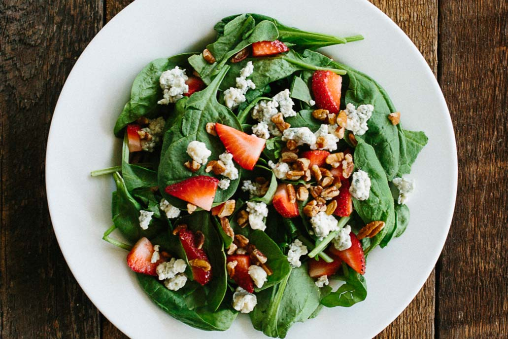 Pizzelii-spinach-salad